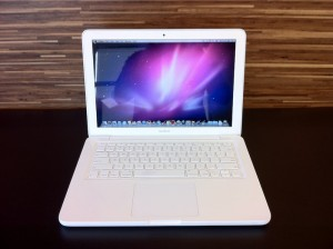 Apple Macbook White Unibody 06