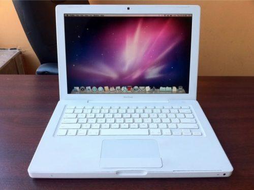Apple MacBook White Intel Core 2 Duo 2.0 GHz
